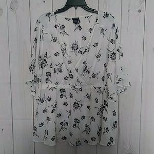 Torrid Floral print blouse 2